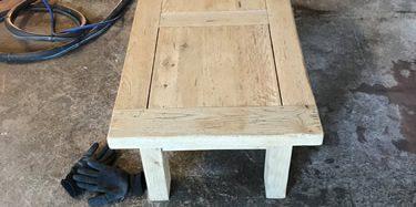 Table ancienne rénovée par aérogommage